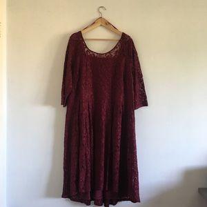LB 28 LACE DRESS